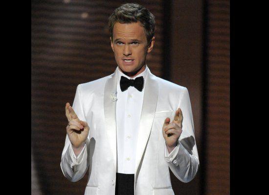 neil-patrick-harris-white-suit-black-tie