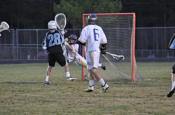 Lacrosse goalie save dive