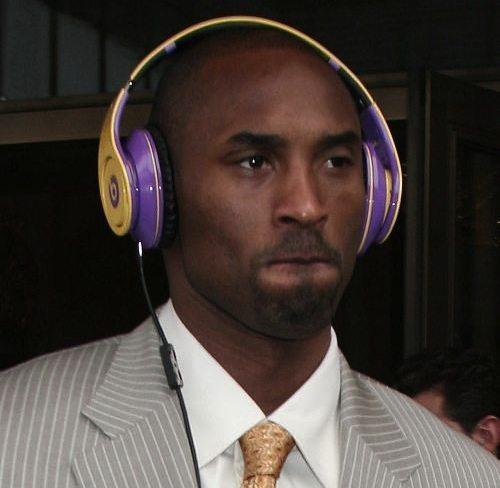kobe-bryant-headphones