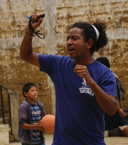 Comalapa manos amigas basketball guatemala